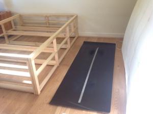 mat space between bed and matress
